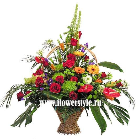 Цветы в корзине «Бархатный сезон»