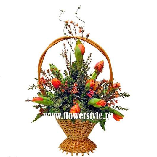 Цветы в корзине «Шафран»