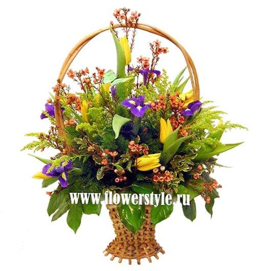 Цветы в корзине «Ясный денек»