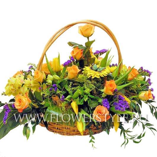 Цветы в корзине «Палитра»