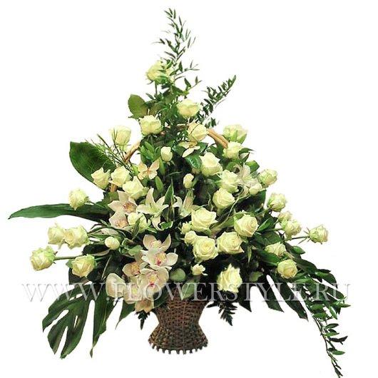 Подарочная корзина цветов № 43